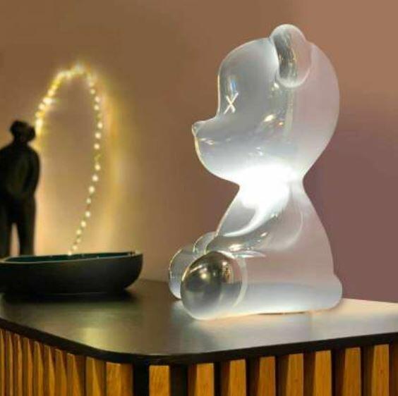 Lampada da Tavolo e da Terra Teddy Boy METAL FINISH di Qeeboo in Polietilene, Varie Finiture