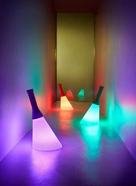 Lampada Ricaricabile da Tavolo Flash al LED con Finitura in Metallo di Qeeboo, Varie Finiture - Offerta di Mondo Luce 24