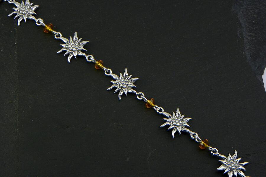 Edelweiss Bracelet in Silver blakened and quartz