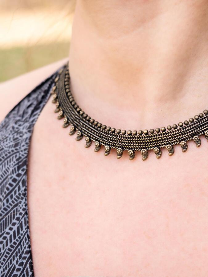 Collana donna a collarino rigida stile antico