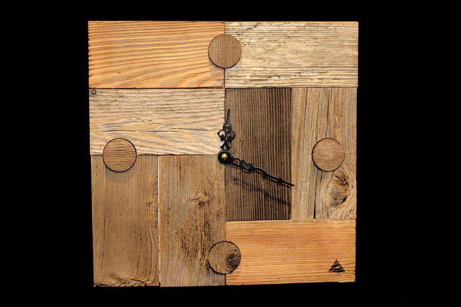 Orologio combinato in legno vecchio