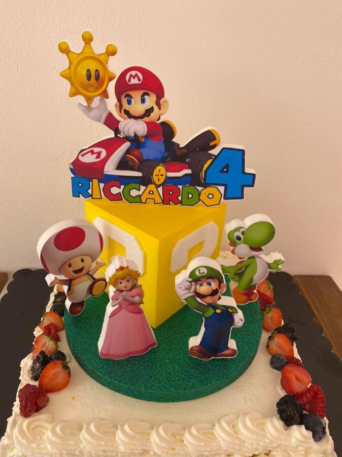 Cake topper a tema Mario Kart