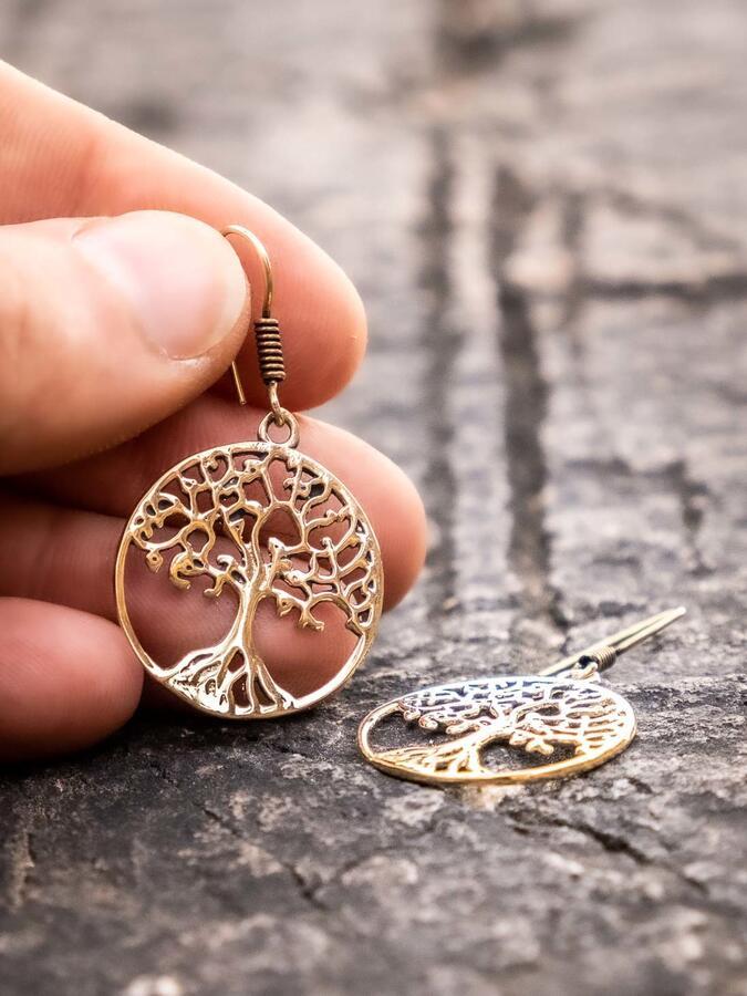 Orecchini pendenti d'orati rotondi con albero della vita