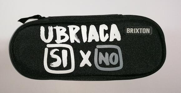 """ASTUCCIO 1 ZIP """"UBRIACA SI X NO"""" BRIXTON"""