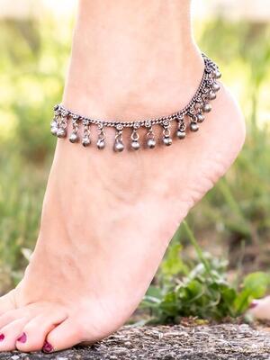 Cavigliera color argento gipsy con catenella e campanellini