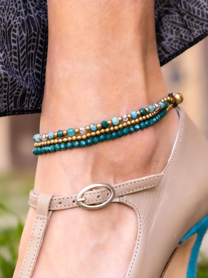 Cavigliera tre fili in ottone naturale e pietre dure naturali turchesi