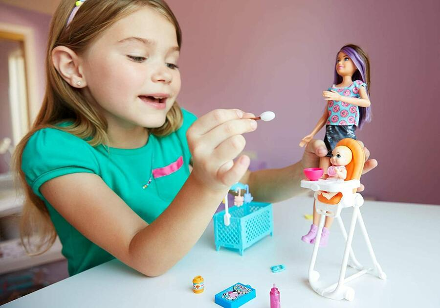 Barbie Skipper Babysiter - Mattel FHY98 - 3+