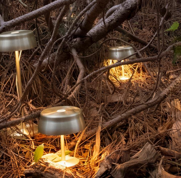 Lampada Ricaricabile da Tavolo SISTER LIGHT MINI di Zafferano in Metallo Anodizzato, Varie Finiture - Offerta di Mondo Luce 24