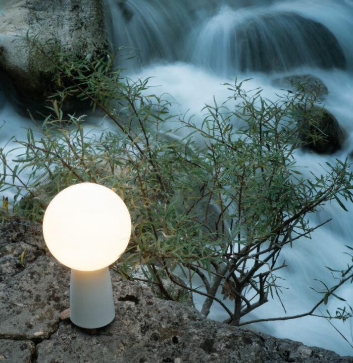 Lampada Ricaricabile da Tavolo OLIMPIA di Zafferano in Metallo, Varie Finiture - Offerta di Mondo Luce 24