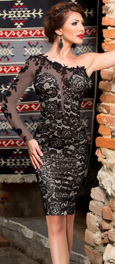 0681 NUDE LOOK-EFFECT LINED LACE TUBE WITH A SEMI-TRANSPARENT TULLE SLEEVE