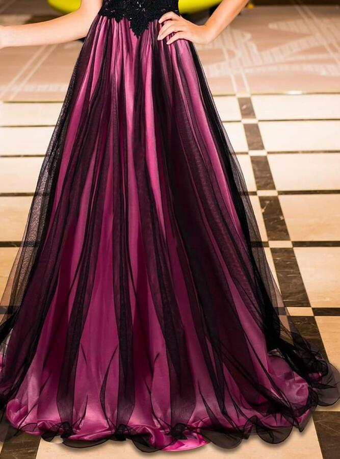 0698 LONG EMPIRE DRESS IN TULLE AND MACRAME 'LACE LINED IN FUXIA SATIN
