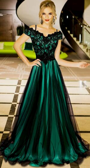 0699 LONG EMPIRE DRESS IN TULLE AND MACRAME 'LACE LINED IN GREEN SATIN