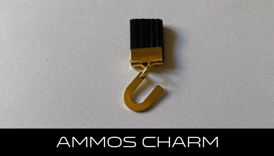 AMMOS CHARM - LETTERA U