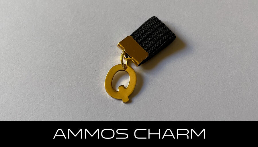 AMMOS CHARM - LETTERA Q