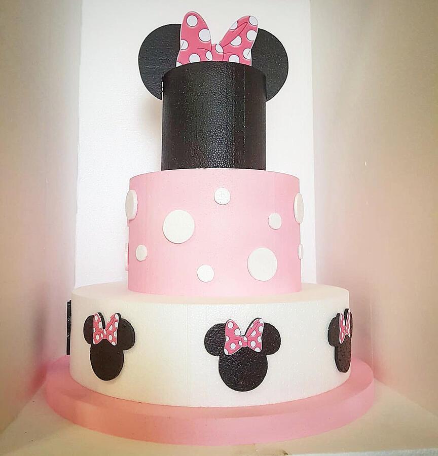 Torta scenografica Tema Minnie rosa
