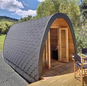 Glamping Pod  in legno di pino nordico con bagno Mod. LOVA 2,40 x 5,90 – Coibentato - 126mm - Gia' Assemblato