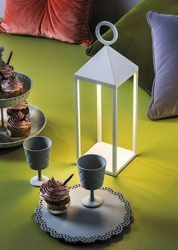 Lampada Ricaricabile da Terra PIC NIC di Rossini Illuminazione in Alluminio, Varie Misure e Finiture - Offerta di Mondo Luce 24