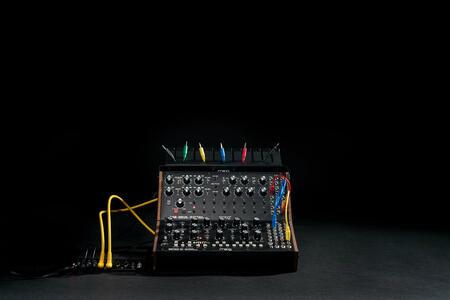 Moog Sound Studio: Mother-32 e DFAM