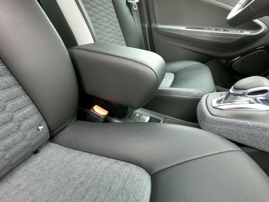 Armrest with storage for Renault Zoe