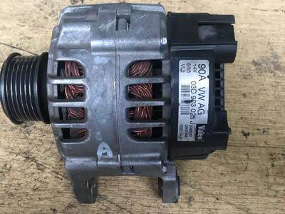 Alternatore Volkswagen Polo Valeo 90A - 03D903025J