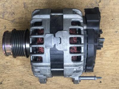 Alternatore Volkswagen Polo Bosch - 04B903023D