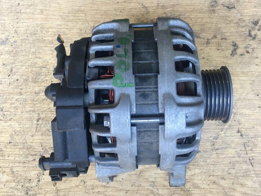 Alternatore Volkswagen Polo Bosch - 04C903023H