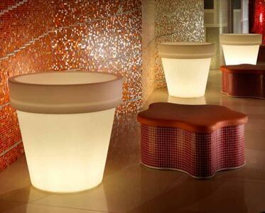 Vaso Luminoso per Esterno KING OUTDOOR al LED in Polietilene di Altèra, Varie Misure - Offerta di Mondo Luce 24