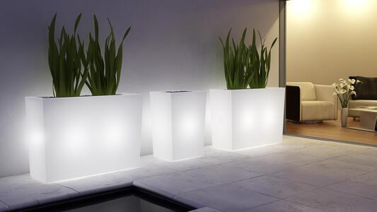 Fioriera Luminosa per Esterno CASTLE OUTDOOR al LED in Polietilene di Altèra, Varie Misure - Offerta di Mondo Luce 24
