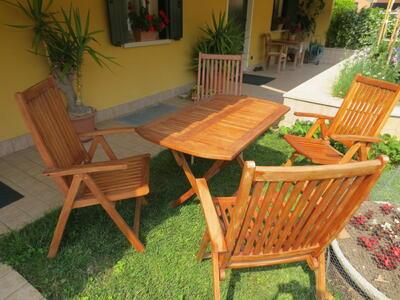 Kit pranzo tavolo da giardino pieghevole 120 x 70 e 4 sedie in legno teak SOTTOCOSTO