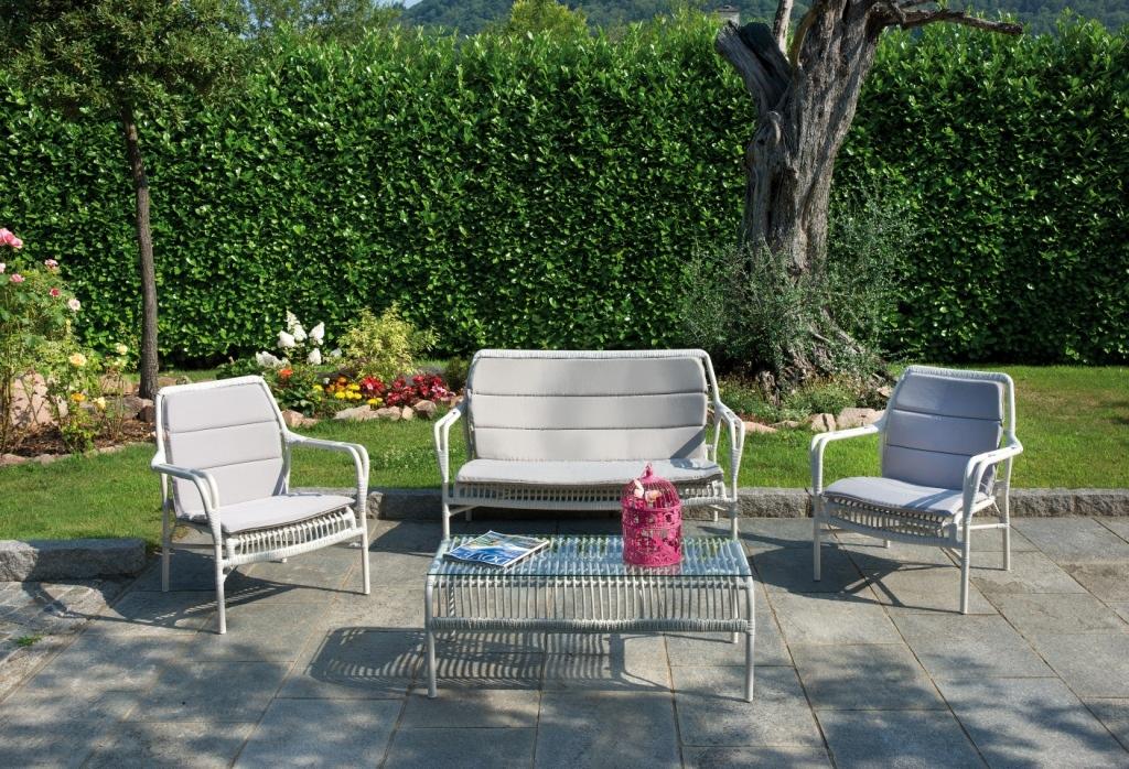 Set salotto classico coffee camargue divano 2 poltrone - Set divano rattan ...