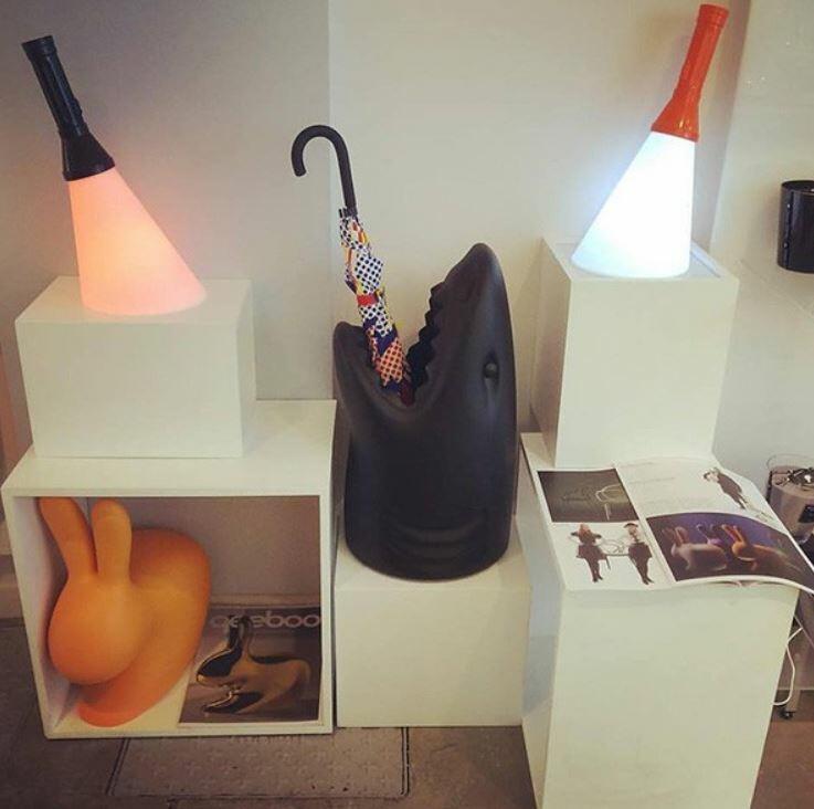 Lampada Ricaricabile da Tavolo Flash al LED Colore Nero di Qeeboo in Pronta Consegna - Offerta di Mondo Luce 24