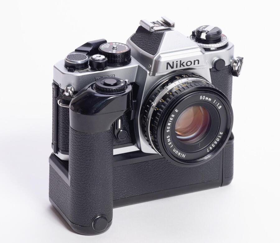 Nikon FE2 reflex analogica - Usato, con winder e 50/1,8