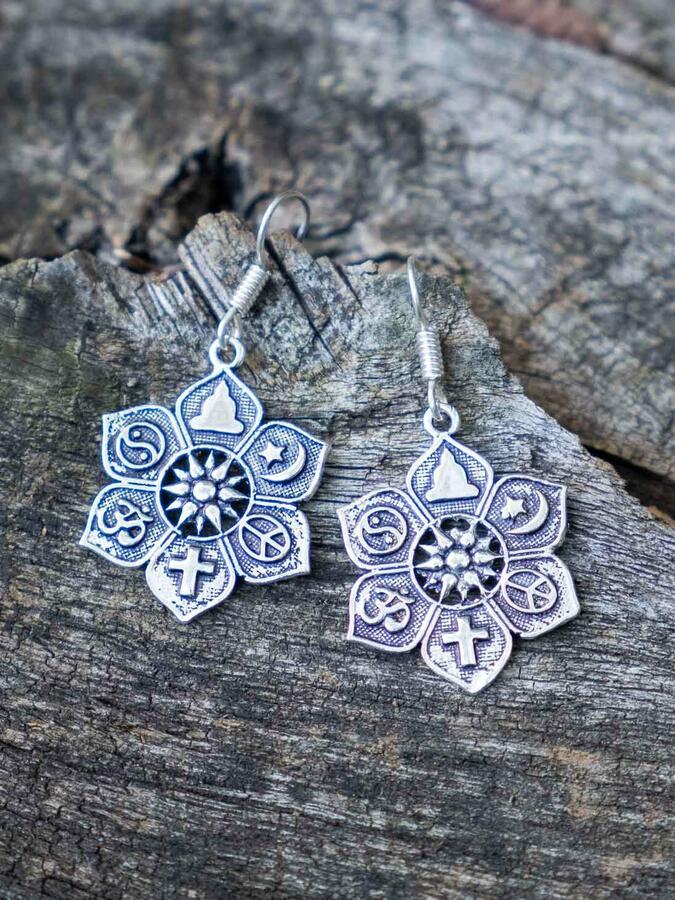 Orecchini pendenti argento a fiore con simboli etnici