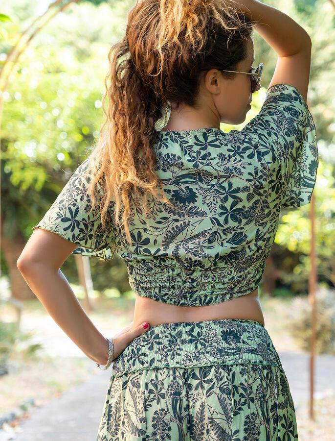 Top donna corto Jyoti con maniche - verde oro