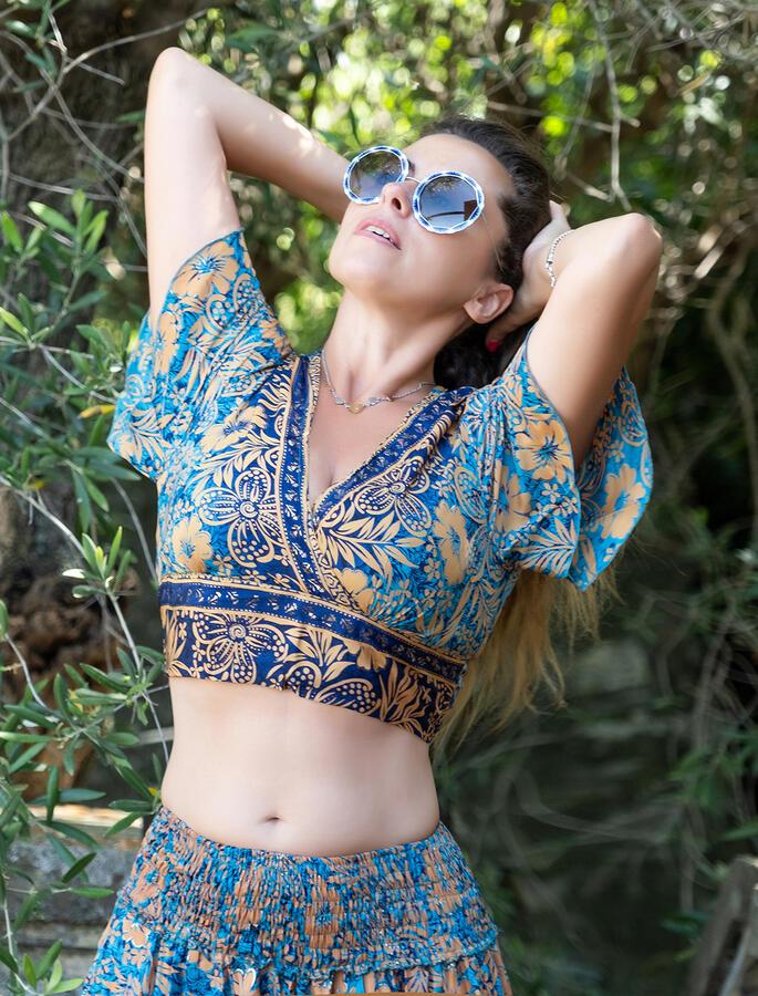 Top donna corto Jyoti con maniche - azzurro ocra oro