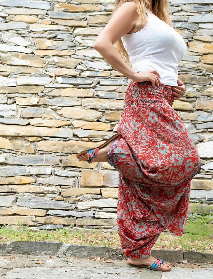 2 in 1 Ambu: Pantalone e Vestito donna  - rosso viola verde oro