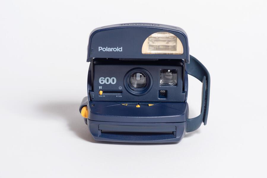 POLAROID 600 + LENTE PORTRAIT + FLASH - Usata