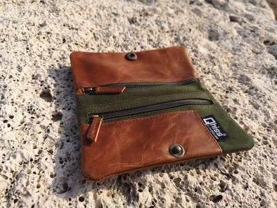 Tobacco pouches