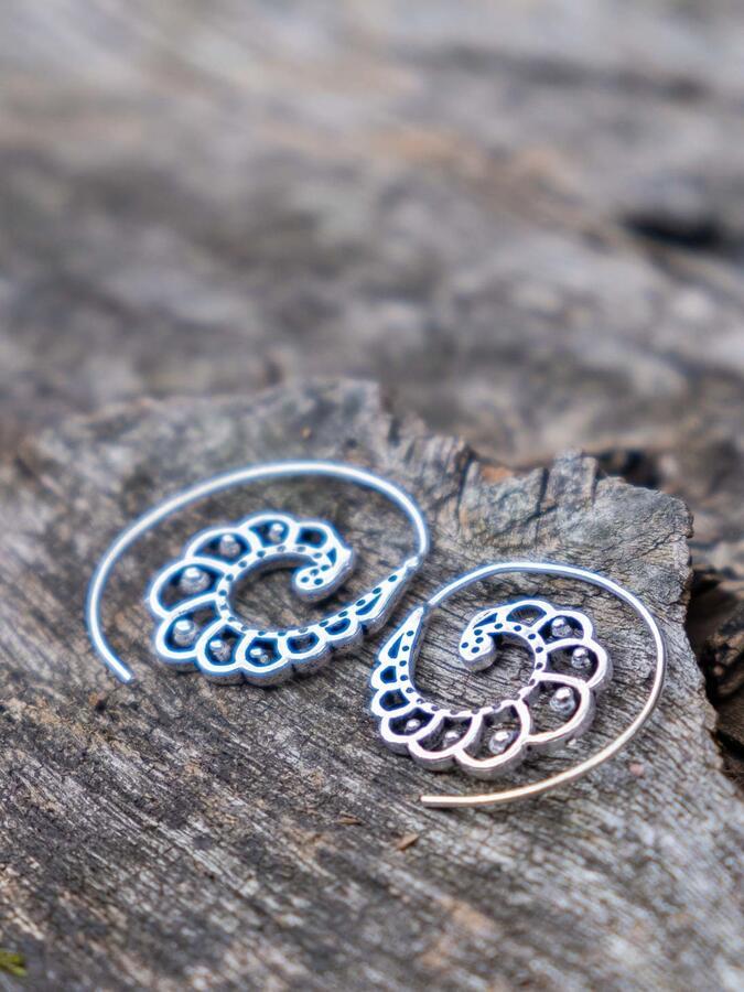 Orecchini argento mini a spirale con forma a conchiglia