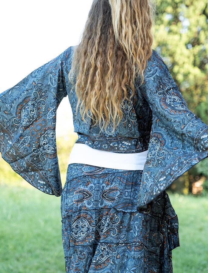 Coprispalle Bani a kimono corto - nero arancio