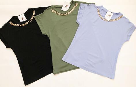 T-shirt con collana