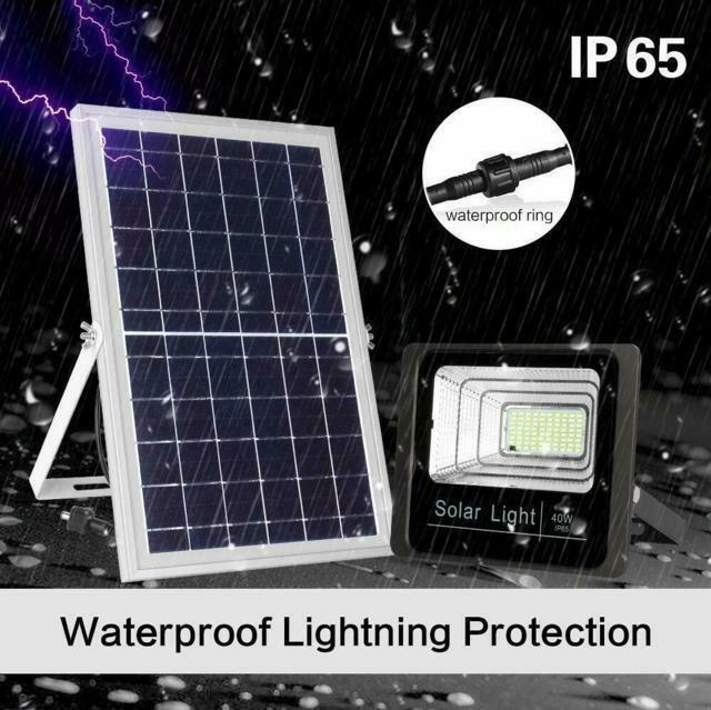 Faro LED impermeabile con pannello solare IP67 60w