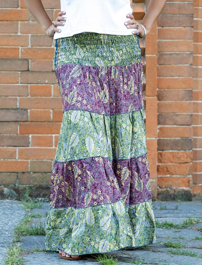 Gonna lunga Trusha a balze in seta bicolor - verde e fucsia con foglie gialle