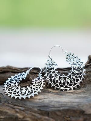Orecchini rotondi a sezioni color argento