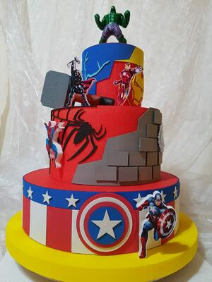 Tema Avengers Torta scenografica
