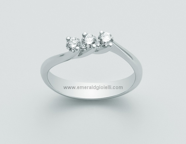 Lid1623 d18 Anello trilogy con diamanti Miluna -