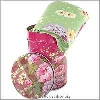 Scatola di latta con asciugamano in cotone abbinato Katie Alice