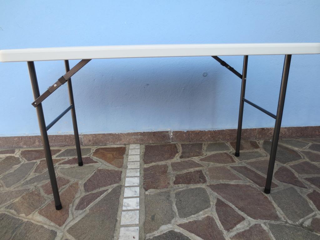 Tavoli Pieghevoli Da Mercatino.Tavolo Pieghevole 122 X 60 X 72 Per Catering Sagre Mercatini