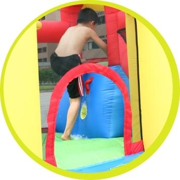 Gioco Gonfiabile con giochi acqua Happy Air Castello Acquatico Salta & Splash  HAPPY 9271 Gonfiabile Acquatico con Salterello Scivolo e Piscina con pompa grande
