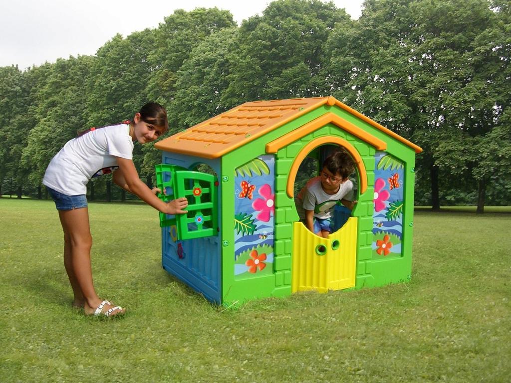Casetta per bambini per giardino in plastica FARM casetta gioco FARM 130 X 111 X 115 cod.cp1394